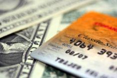 Какой кредит выгоднее? Наличными или кредитная карта?